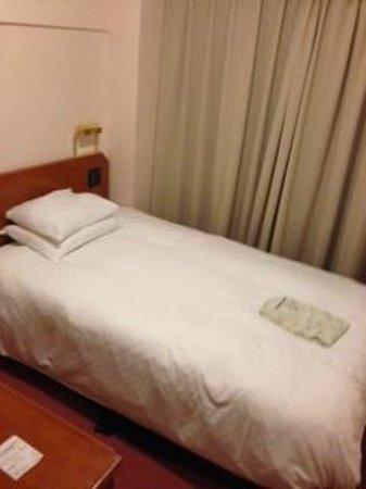 Hearton Hotel Nishi Umeda: ベッド