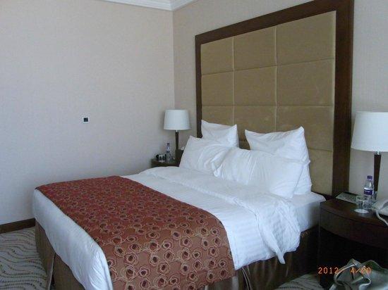 Park Regis Kris Kin Hotel : Ansicht von einem Zimmer