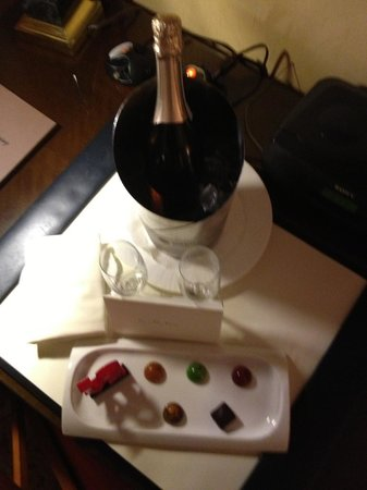 The Ritz-Carlton, Philadelphia: Chocolate and Champs on arrival
