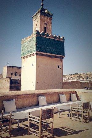 Hotel & Spa Riad Dar Bensouda: Dachterasse und Möbel