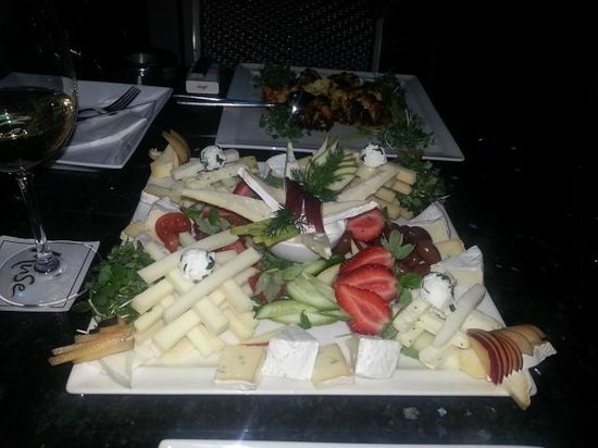Muse Cafe Kitchen Bar : * Enticing Cheese Plate *