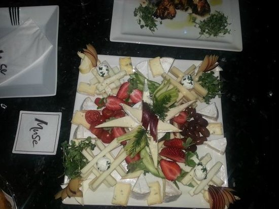 Muse Cafe Kitchen Bar : * Enchanting cheese plate *