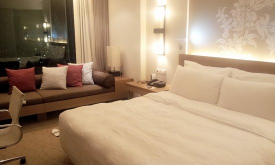Le Meridien Chiang Mai : bed