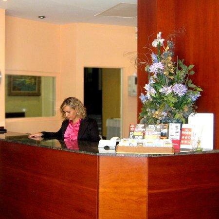Hotel Travessera: RECEPCIÓN