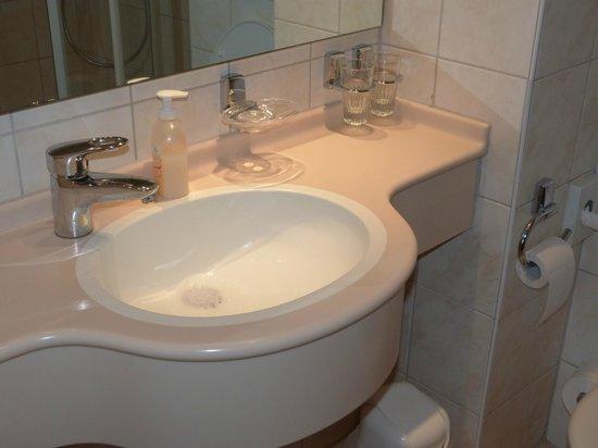 Hotel Haus Morjan: salle de bain