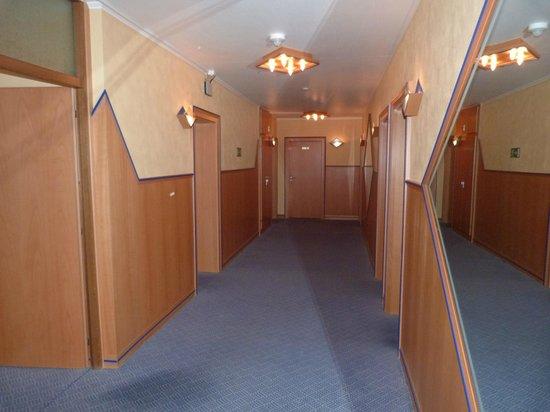 Hotel Haus Morjan: corridor