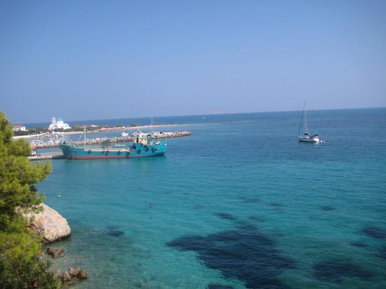 Agistri Club Hotel : THE WAY TO THE VILLAGE