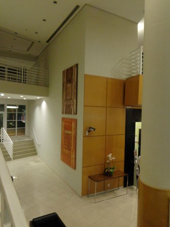 Mercure Campinas : another view of the nice lobby