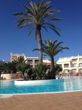 ClubHotel Riu Oliva Beach Resort : One of the two pools available