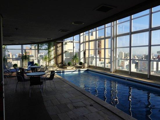 Mercure Campinas : the nice swimming pool