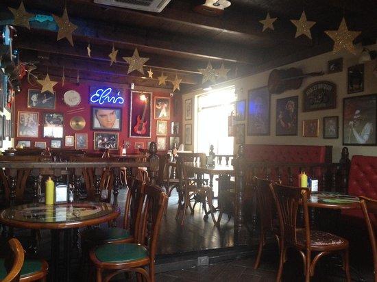 Rock Café Fuerteventura: Inside