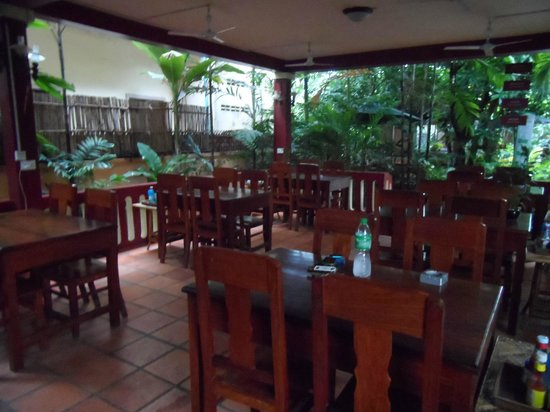 Bou Savy Guest House: dining hall