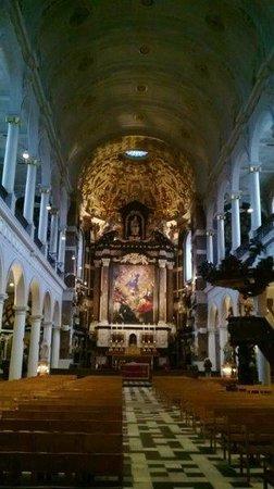 Carolus Borromeus Church: Kerk