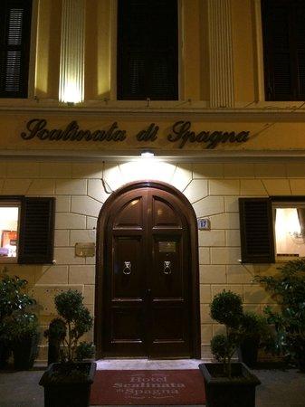 Hotel Scalinata di Spagna: l'ingresso dell' Hotel
