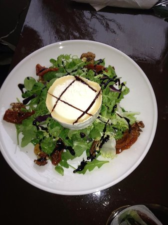 Bach 16 : Goat's cheese salad