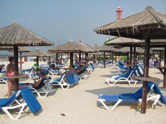 Coral Beach Resort Sharjah: Пляж