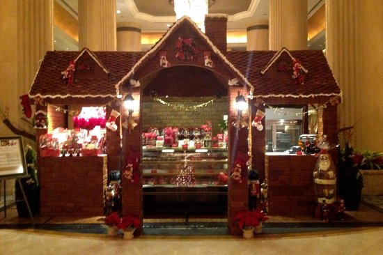 Shangri-La Hotel, Singapore: Christmas Decoration in reception