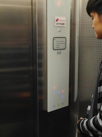 Times Hotel : Hotel lift
