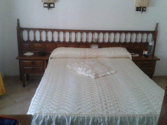 Hotel Martinez: cama