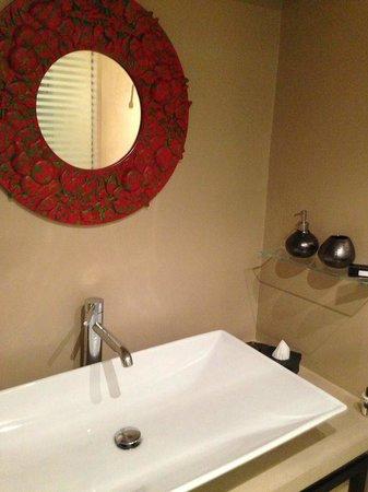 Frattina 57 : Bathroom