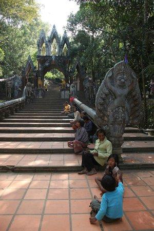 Phnom Kulen National Park: The way to the Buddha