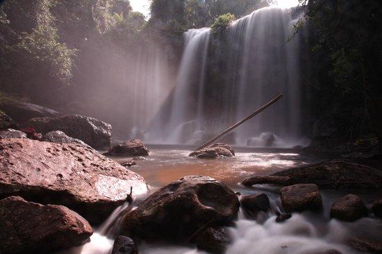 Phnom Kulen National Park: Waterfall downstairs