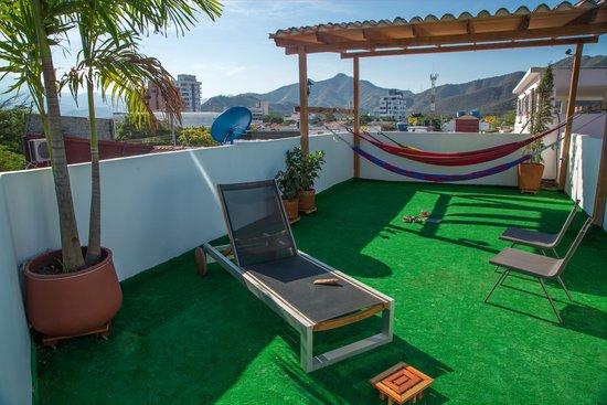 Hostal North Bay: terraza-terrace