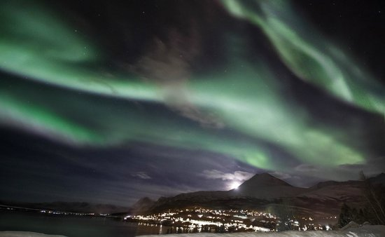 Lyngseidet, Norwegen: Aurora from the hotel