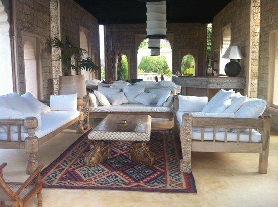 The Majlis Hotel: Pool Bar
