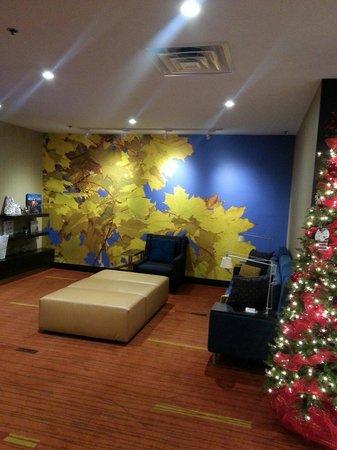 Courtyard Niagara Falls: Lovely lobby