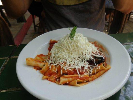 Restaurante e Pizzaria Terra Nostra : Maltagliati com molho Norma
