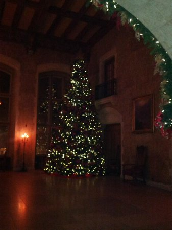 Banff Springs Hotel Decorated For Christmas Picture Of Fairmont Banff Springs Tripadvisor