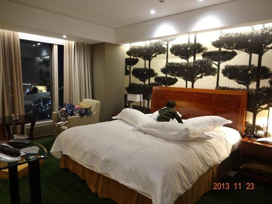 InterContinental Seoul COEX: キングベッドのお部屋でした