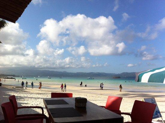 Boracay Beach Club: Morning