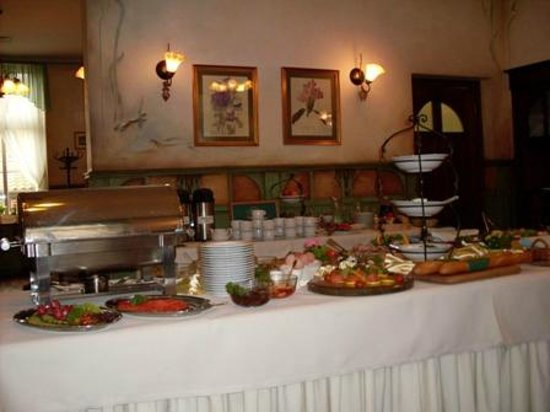 Hotel Sedan: Café da Manhã