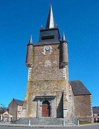 Signy-le-Petit, France : Eglise fortifiée du village sur la route des Eglises Fortifiées des Ardennes