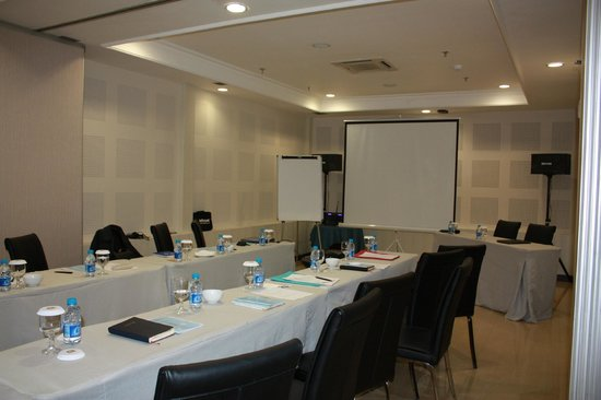 GP Hotel Mega Kuningan : meeting room