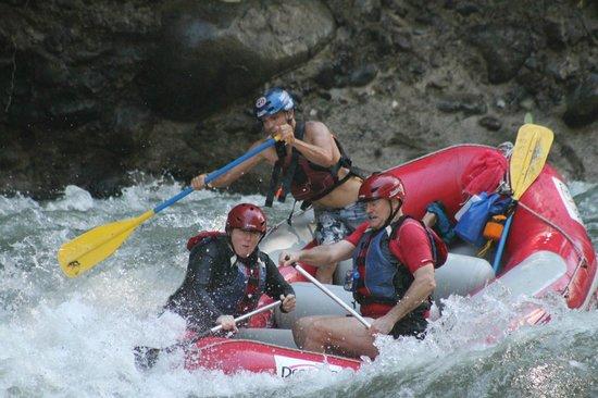 Desafio Monteverde Tours -  Day Tours: Whitewater rafting on Rio Sarapiqui