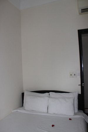Jade Hotel Guestroom 1