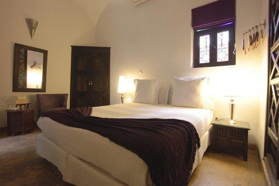 Dar Silsila: Room