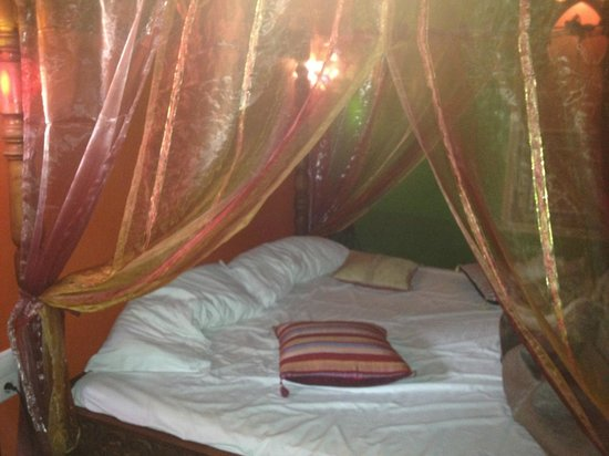 Hosteria Lineros 38 : cama de matrimonio