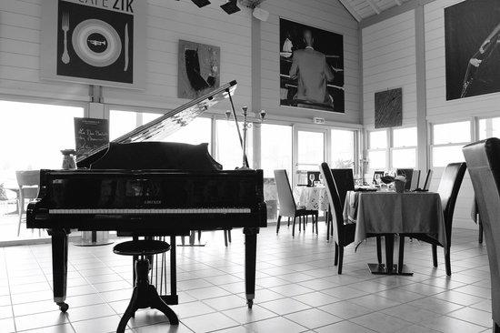 Cafe Zik: le piano