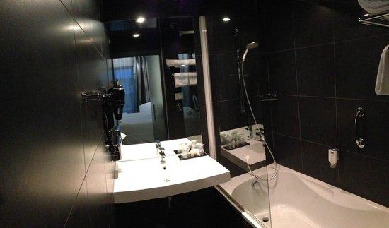 Best Western Plus Design & Spa Bassin D'Arcachon : Salle de bain
