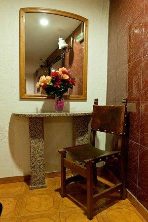 Braganca Oporto Hotel: Коридор в отеле