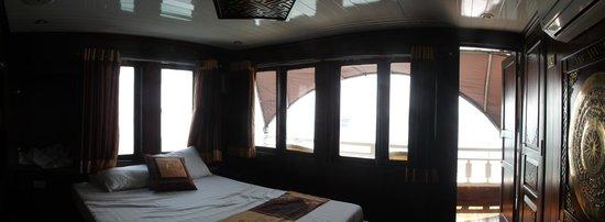 Darian Culbert : Deluxe room (premium cabin)