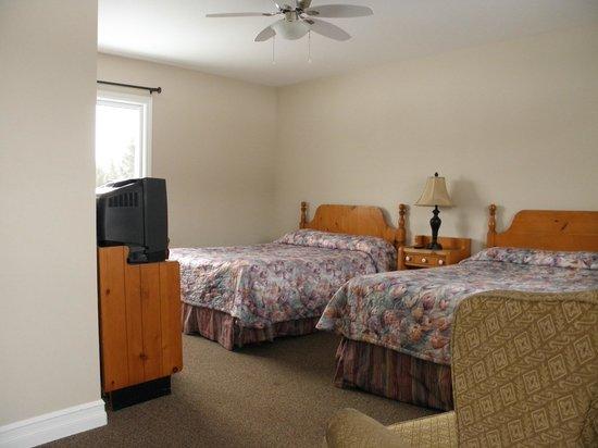 Moncton Scenic Motel: Room 3-2