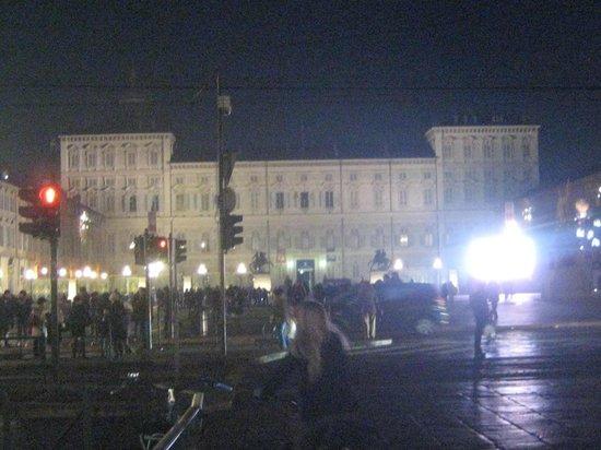 Piazza Castello : VISTA PIAZZA