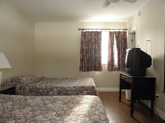 Moncton Scenic Motel: Room 10