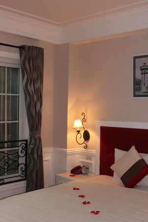 Calypso Suites Hotel : Calypso Suites Hanoi Guest Room 2