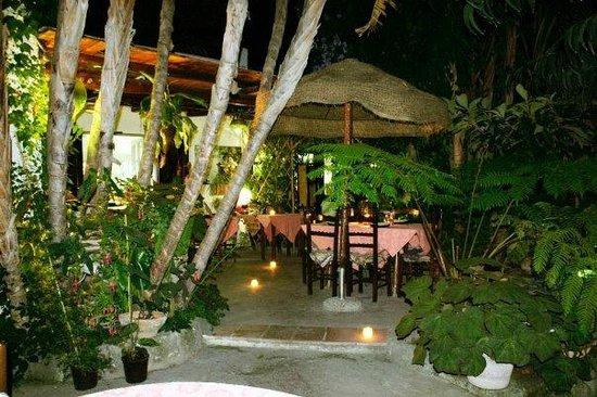 Montecorvo: Cena al fresco - Cool dinner
